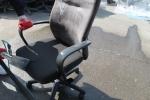 천 의자 세척하는 사진